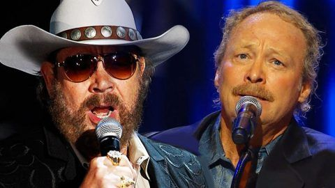 Alan Jackson Brings Hank Williams Jr On Stage For The Blues Man