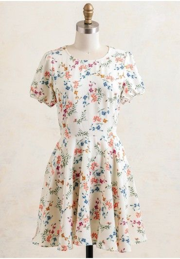 Bellevue Floral Dress In Cream  Modern Vintage Casual  Modern ...