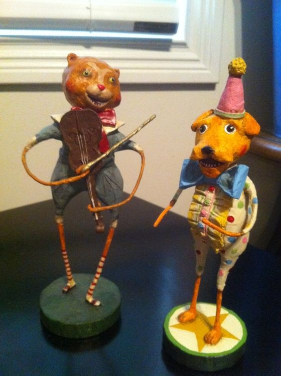 Lori Mitchell Folk Art Figurines, Nursery Rhyme Collection. The Cat and the Fiddle, Laughing Little Dog.