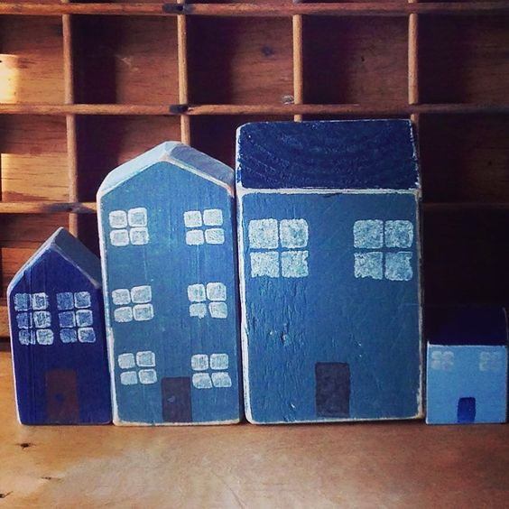 The blue and the grey. #blueandgrey #house #houses #greystreet #woodenhouse #wood #tinyhouse #blokhuisies #greyhouse by blokhuisies