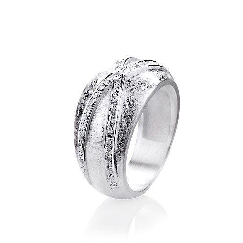 My only one, Ring mit Zirkoniapaveé aus Silber.