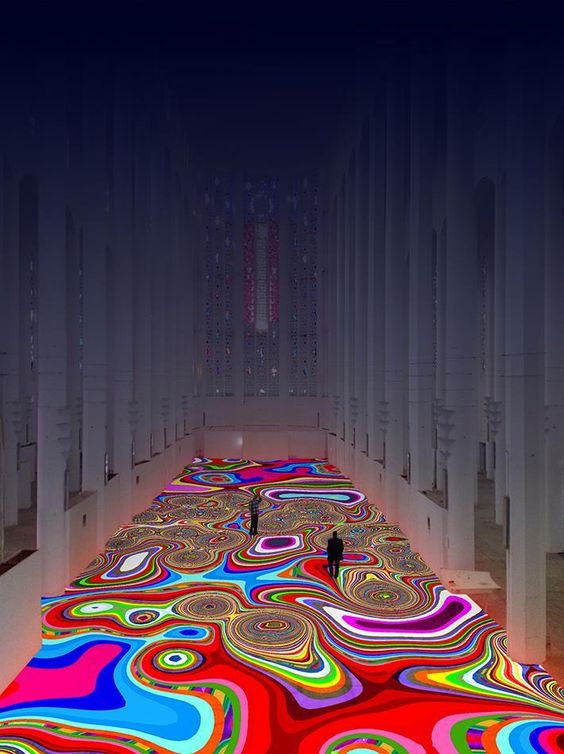 """Maroc : un """"tapis magique"""" de l'artiste Miguel Chevalier dans l'ancienne église du Sacré-Cœur à Casablanca (VIDÉO)"""