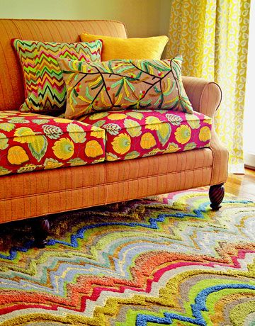 Colorful pillows, upholstery and rug: Colourful Cushions, Couch Idea, Lush Colors, Mixed Colors, Colorful Pillows, Couch Cushions