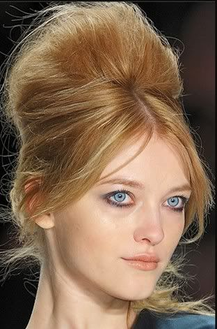 Iconic 70s Hairstyles For Modern Day Disco Glamour Disco Hair Short Hair Styles Easy 70s Hair