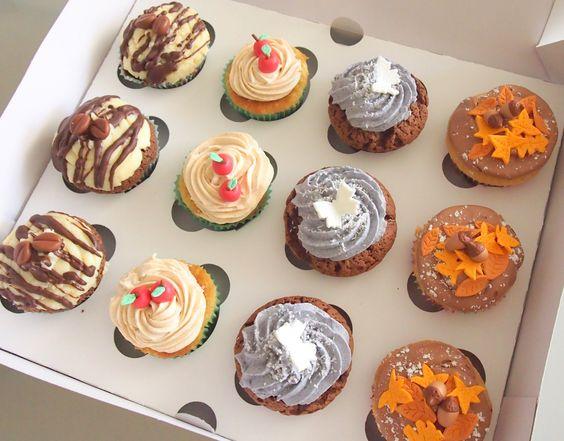 Un variado de cupcakes