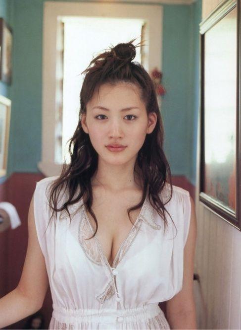 綾瀬はるかのヘアスタイル 髪型 ロング ミディアム パーマ愛されヘアーはこうする getbeauty ミディアム パーマ アジアの女性 モデル