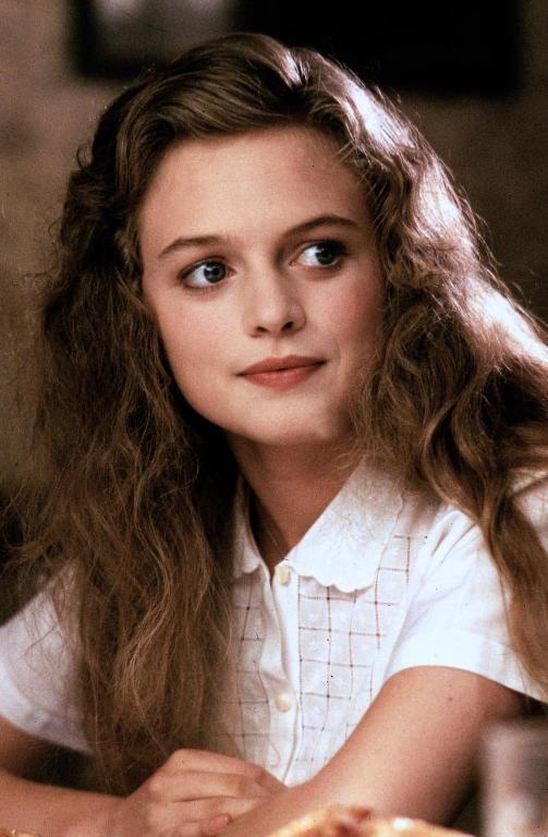The Audrey Horne Blog ♥ Heather Graham as Annie. Clear Spring has often middle dark hair.