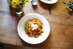 Dinkelotto mit Kürbis-Apfel-Kartoffel-Gemüse dazu Soyghurt: Sandra Forster