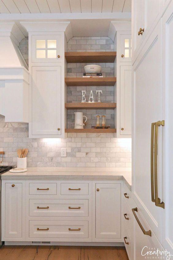 11 Fresh Kitchen Backsplash Ideas For White Cabinets In 2020 Kitchen Design Small Kitchen Renovation Fresh Kitchen