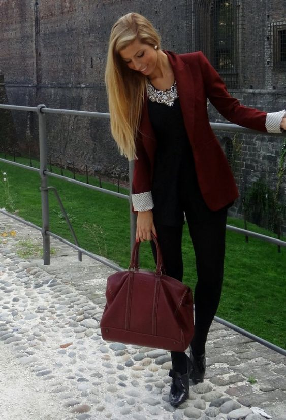 *Red bag + red blazer + black top + black pants + statement necklace // 18 Stylish Outfits with Statement Necklaces