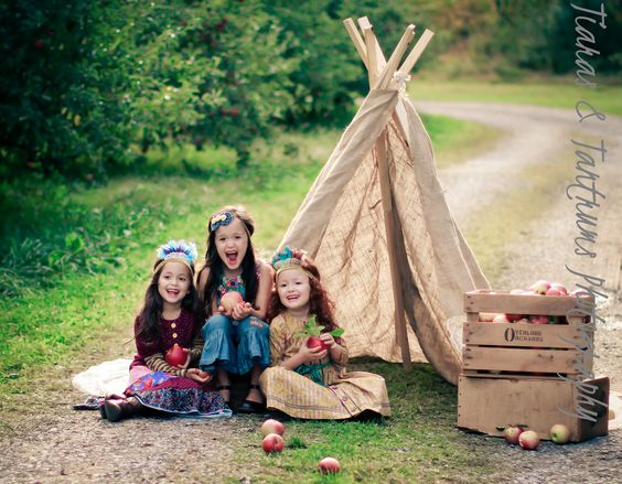 Gorgeous little models (triplets) at the Apple Orchard photography shoot / workshop