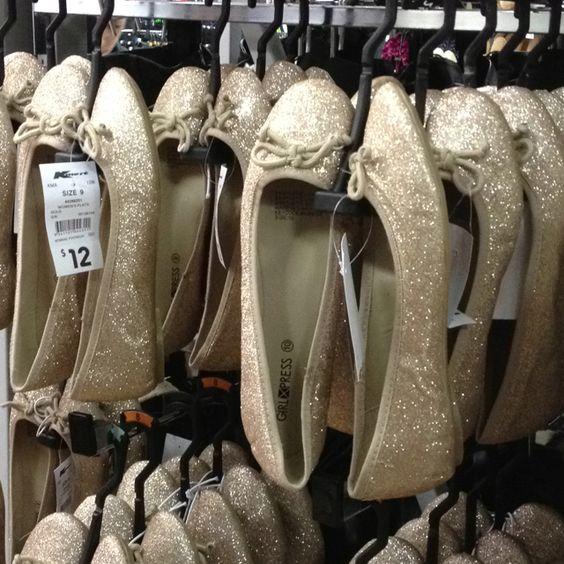 Womens flats, Women shoes