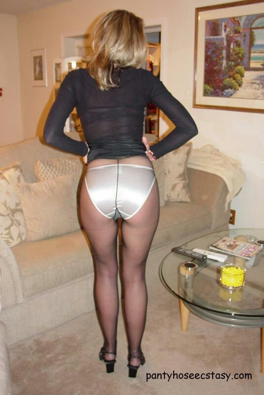 Pantie hose upskirt video
