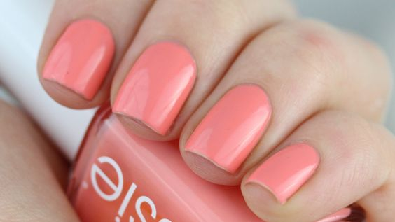 Essie Peach Side Babe: