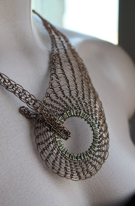 Copper wire crocheted necklace collar Trinity. Example by Ksemi