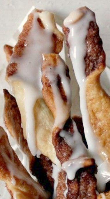 Cinnabon Pie Twirls - super easy to make using ready-made pie crust, cinnamon and sugar ❊