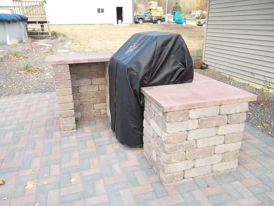Twin eagles grill outdoor grilling station brick paver for Outdoor cooking station ideas