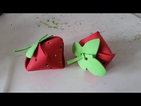 video ensinando a fazer um moranguinho em eva,sugestão de lembrancinha DIY