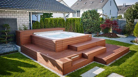 Whirlpool-Einfassung-hochwertig-Poolumrandung-Holzterrasse-München - whirlpool sichtschutz