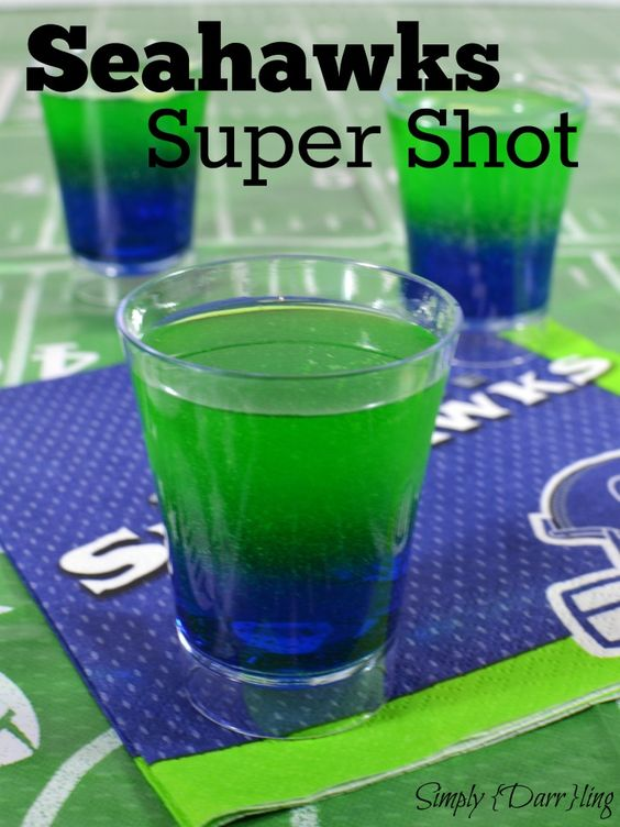 Seahawks Super Shot - Make a big impression at your football party with these Seahawks inspired dual layer shots. They are easy to make and fun to drink!