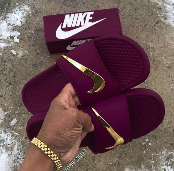 chaussure nike gold femme