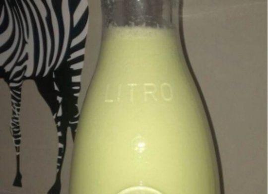 Ingredientes: Pepinos, Manzana Golden, Yogur Natural, Sal, Aceite de oliva, Vinagre, Diente de ajo sin Germen, Agua