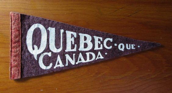 Quebec Que Canada Souvenir Small Mini Felt Pennant AtomicPutz.com