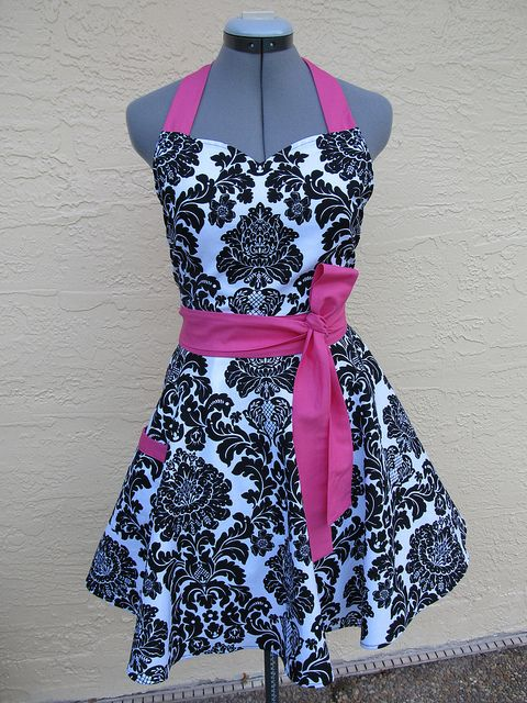 This Apron is absolutely gorgeous!!!! I want it!  Black Damask with Hot Pink Vintage Apron
