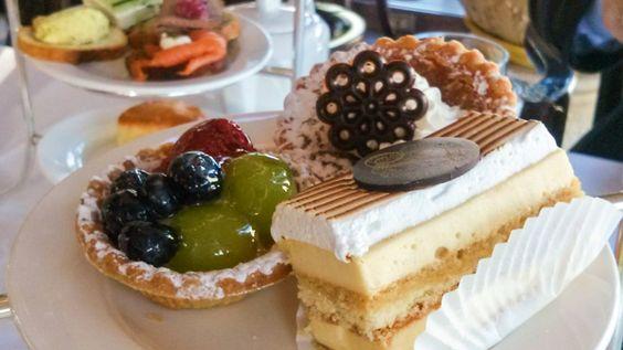 Köstliche Kuchenschnitten zum Dessert bei der Tea Time im Chateau Laurier in Ottawa