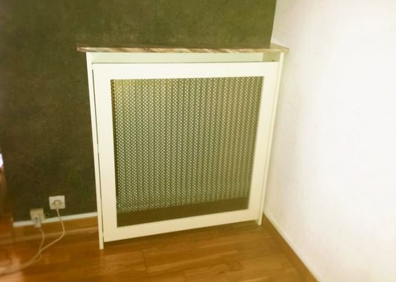 cache radiateur en mdf peint en blanc grille m tal bronze cache radiateur pinterest bronze. Black Bedroom Furniture Sets. Home Design Ideas