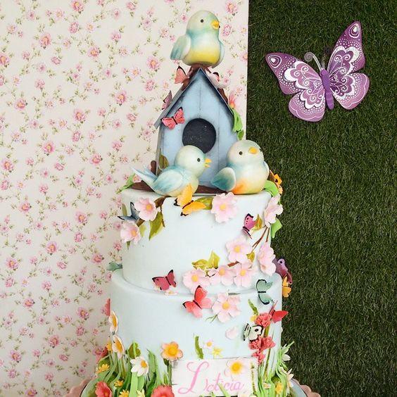 SnapWidget | Esta imagem mostra bem os detalhes do bolo amoroso da festa da…