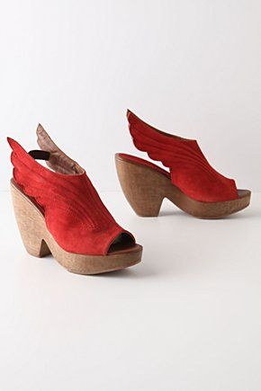 winged clogs ^^