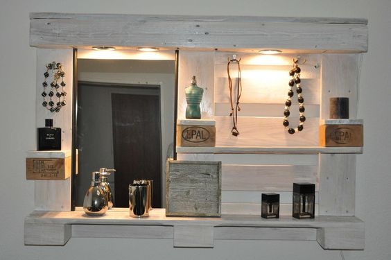 Palettenmöbel - Spiegelschrank von Woody Paletten Design auf DaWanda.com