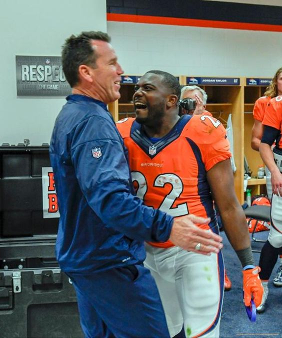 Comeback celebration: Broncos defeat Panthers