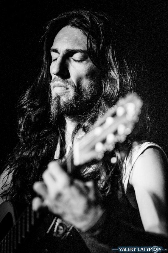 Estas Tonne   Gitarrenkompositionen. Symbiose aus Virtuosität und Emotion