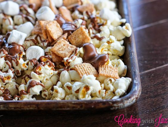 Cooking with Jax: S'mores Popcorn