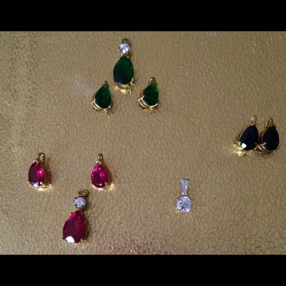 Loose jewels , pick one and ask me about it :) Beautiful. Price is negotiable Jewelry Earrings