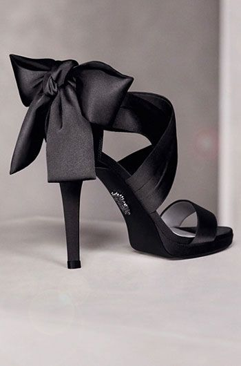 most fab shoe for short bridesmaid dresses @elise Colton, what do you think about this with the green dress?