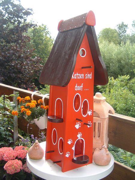 Vogelhaus mit Nistkasten