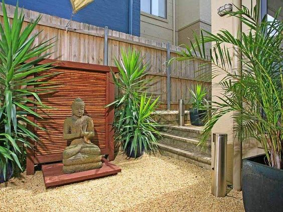 Gardens lighting and tropical gardens on pinterest for Low maintenance deck plants