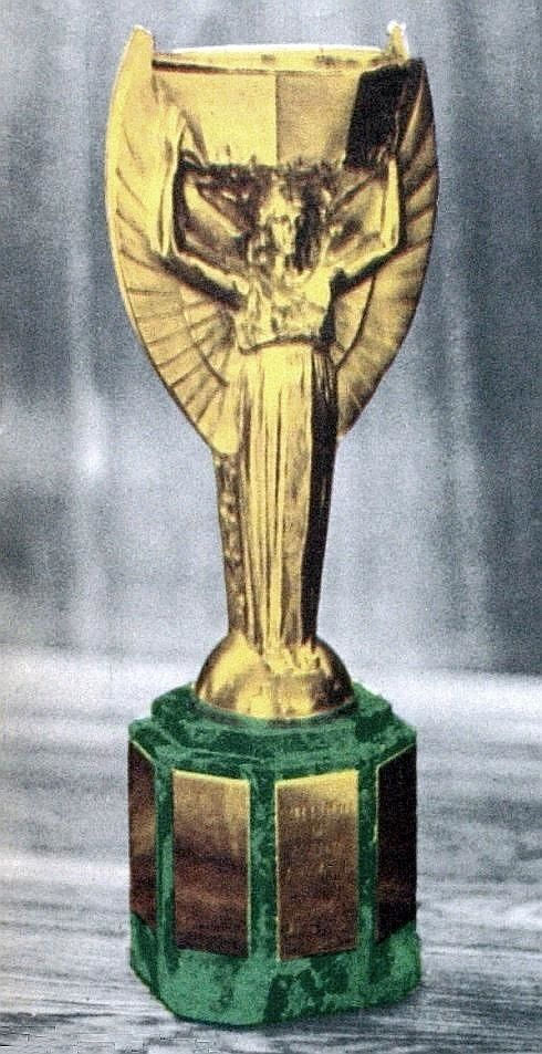 La Coupe Jules Rimet Cropped Fifa World Cup Trophy Wikipedia World Cup Trophy World Cup Fifa World Cup