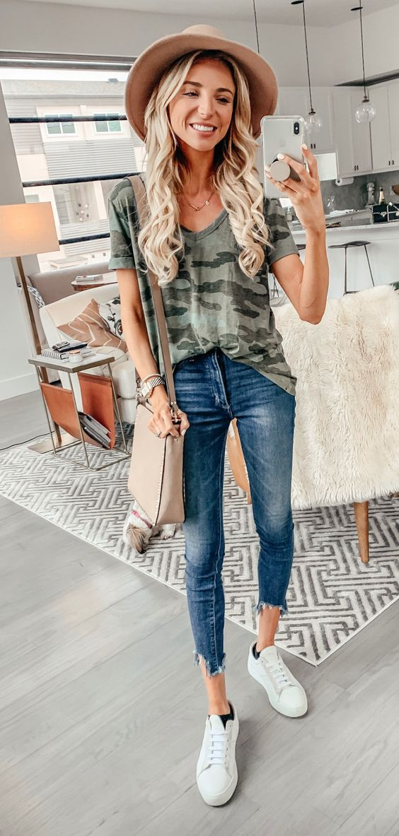 blue denim skinny jeans #spring #outfits