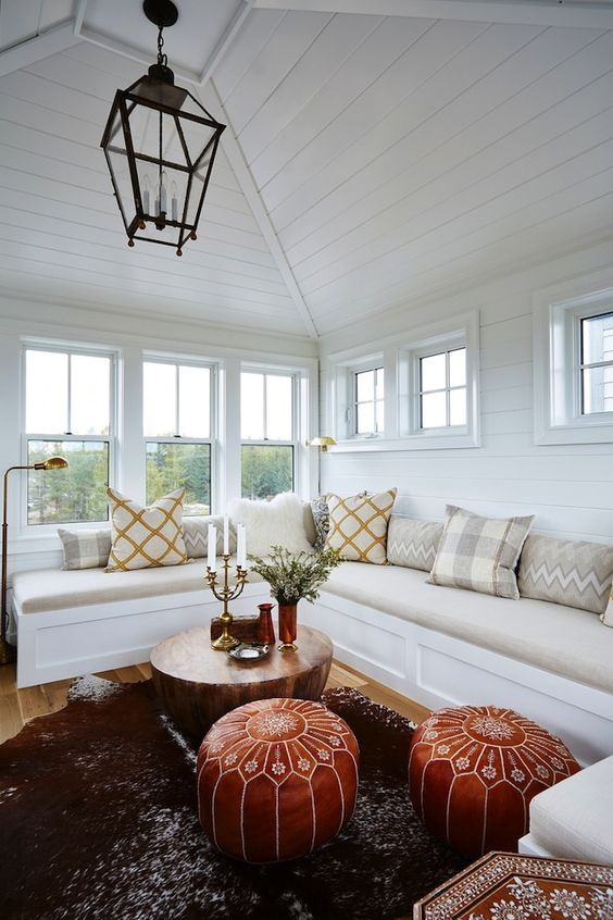 Tour this amazing home from HGTV's Sarah Off the Grid | lark & linen #windowseat