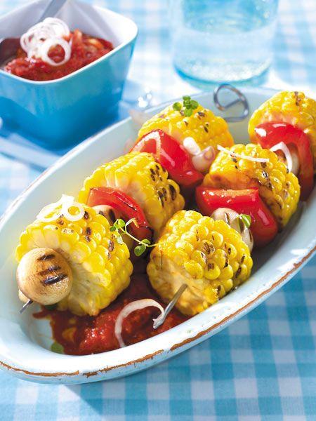 Mais-Paprika-Spieße mit scharfer Tomatensoße