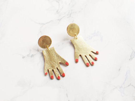 Handgemachte Gold und rot Leder Hand Ohrringe