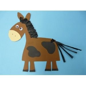 pferd basteln tiere basteln ein nettes pferd aus fotokarton basteln basteln mit kindern. Black Bedroom Furniture Sets. Home Design Ideas