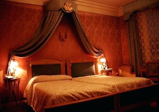 Seductive Bedroom Romantic Bedrooms Unique Romantic Bedroom Ideas Ultimate Home Ideas Seductive B Romantic Bedroom Design Luxurious Bedrooms Red Bedroom Design