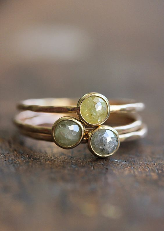 Diamant de taille rose et 14 bague or k, mince bande or, respectueux de l'environnement, martelé, fine, bijoux, bague moderne, empilage, pil...