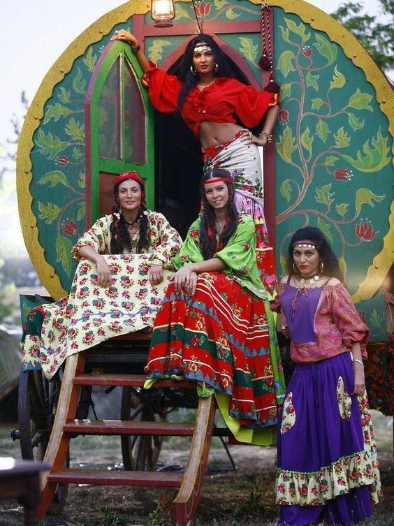"""A Alma Cigana perfuma o lugar por onde passa..."" (The soul of the gypsy wafts fragrance wherever it passes through):"