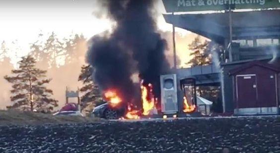 Tesla Model S brennt beim Laden aus! – Video
